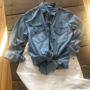 Club Monaco Chambray shirt XS